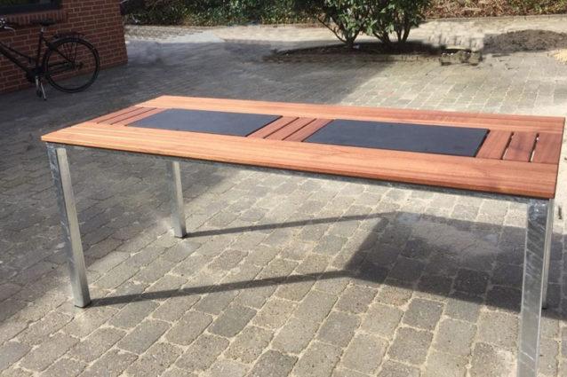 Kronborg mahognibord med granit.